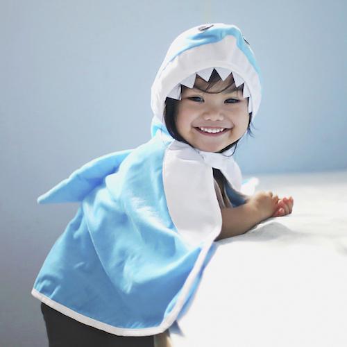 PELERYNA BABY SHARK 12- 24 MC